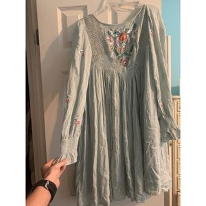 Free People Embroidered Dress 🍃🌺